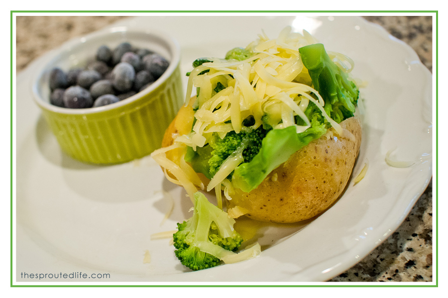 busy family – quick dinners {loaded baked potatoes}